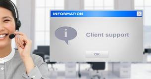 Cuffia avricolare d'uso esecutiva di servizio di assistenza al cliente dalla finestra di dialogo immagini stock libere da diritti