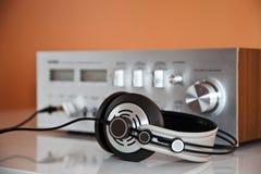 Cuffie stereo con l'amplificatore Fotografie Stock