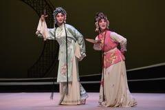 """Cui Yingying och den västra Chamber†för hembiträde-Kunquopera""""the en Royaltyfria Bilder"""
