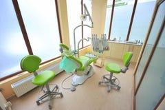 Cuida la oficina (las herramientas del cuidado dental) Fotografía de archivo