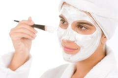 Cuidado de piel del problema del adolescente - máscara del facial de la mujer Imagen de archivo libre de regalías
