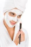Cuidado de piel del problema del adolescente - máscara del facial de la mujer Imagen de archivo