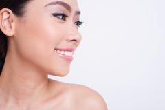 Cuidado de piel hermoso asiático de la mujer Fotos de archivo libres de regalías