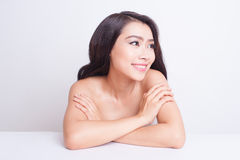 Cuidado de piel hermoso asiático de la mujer Foto de archivo libre de regalías