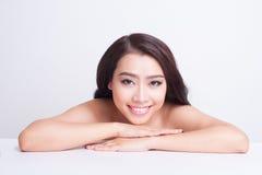 Cuidado de piel hermoso asiático de la mujer Fotos de archivo