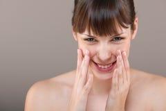 Cuidado do corpo: Retrato da mulher bonita imagens de stock royalty free