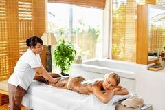 Cuidado do corpo Termas - 7 Salão de beleza da máscara da mulher Terapia da pele Imagem de Stock Royalty Free