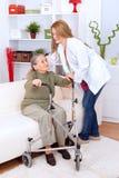 Cuidado do lar de idosos Imagens de Stock