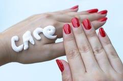 Cuidado fêmea da mão foto de stock royalty free