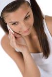 Cuidado facial de la belleza - piel de la limpieza de la mujer del adolescente Fotos de archivo libres de regalías