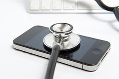 Cuidado médico de Smartphone Fotos de archivo