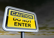 Cuidado - não incorpore o sinal Imagens de Stock Royalty Free