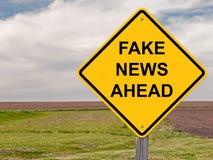 Cuidado - notícia falsificada adiante Foto de Stock