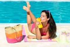 Cuidado y protección de piel del verano Fotos de archivo libres de regalías