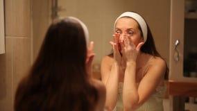 Cuidados com a pele da beleza video estoque