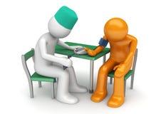 Cuidados médicos - o doutor mede a pressão sanguínea Imagens de Stock
