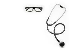 Cuide el escritorio del ` s con los accesorios y los productos médicos Fotografía de la visión superior Imagen de archivo