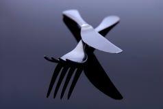 Cuillère argentée moderne, couteau, FO Photographie stock