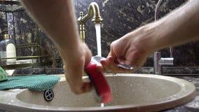 Cuillère de lavage banque de vidéos