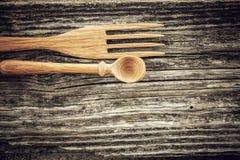 Cuillère et fourchette en bois Images stock