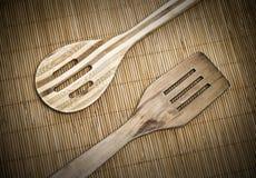 Cuillère et spatule en bois Photographie stock
