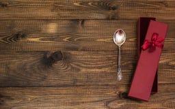 Cuillère sur la table en bois Images libres de droits