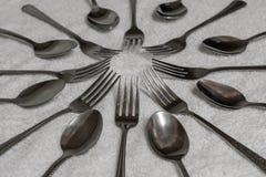 Cuillères et fourchettes photographie stock