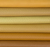 Cuir beige plié dans une rangée Photos stock