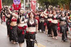 Cuir noir et lingerie rouge Images stock