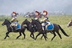Cuirassiers σε Borodino μάχονται την ιστορική αναπαράσταση στη Ρωσία Στοκ Εικόνες