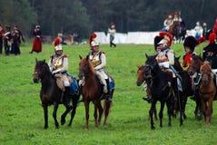 Cuirassiers på Borodino slåss historisk reenactment i Ryssland Arkivbilder