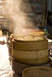 Cuire des pains à la vapeur de porc Photo stock