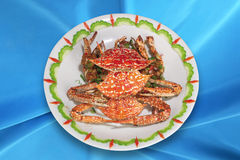 Cuisine chinoise, crabes cuits en friteuse. Photo stock