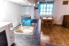 Cuisine Cuisine dans l'appartement Rue Ligth image libre de droits