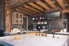 cuisine de cabine rustique photographie stock