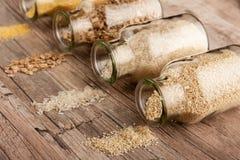 Cuisine de rebut z?ro - pots en verre photographie stock libre de droits