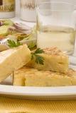 Cuisine espagnole. Omelette de pommes de terre. Photographie stock libre de droits