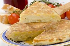 Cuisine espagnole. Omelette espagnole. Tortilla de patatas. Images stock