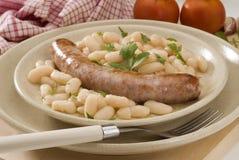 Cuisine espagnole. Saucisse avec des haricots. Photos libres de droits