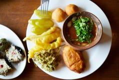 Cuisine géorgienne dans le restaurant à Tbilisi Images libres de droits