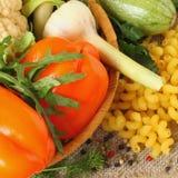 Cuisine italienne d'ingrédients pour des pâtes, plan rapproché Photographie stock
