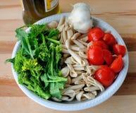Cuisine italienne - verts d'orecchiette et de navet Photos libres de droits