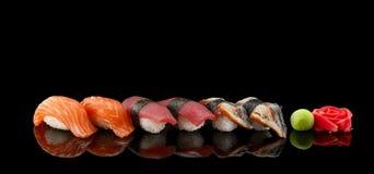Cuisine japonaise Sushi Photos stock