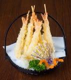 Cuisine japonaise tempura Légume cuit à la friteuse de mélange sur le backg Image stock