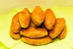 Cuisine nationale savoureuse de nourriture de petit pâté de tartes de Pirogi photo libre de droits