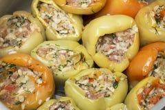cuisine Ongekookte gevulde peper, close-up royalty-vrije stock afbeelding