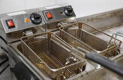 Cuisine profonde de restaurant de la friteuse n Image libre de droits