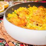 Cuisse de poulet et riz Biryani avec les pois Image libre de droits