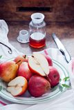 Cuisson avec Bartlett Pears rouge Photo stock