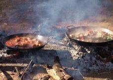 Cuisson avec l'incendie Photographie stock libre de droits
